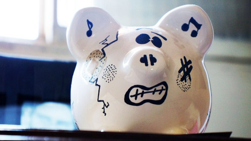 20150325214655-piggy-bank-money-waste-break