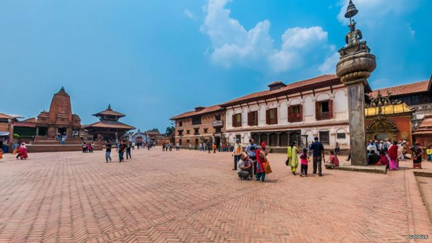_82593218_bhaktapur_durbar_sq_before