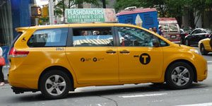 99_Toyota_Sienna_(NYC_Taxi)_(15283757172)